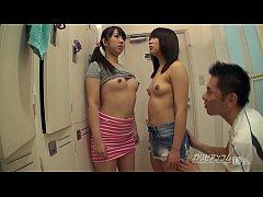 xxxญี่ปุ่น18+ 2สาวมัธยมโดนไอ้หื่นสะกดจิตด้วยนาฬิกาหยุดเวลาจับแก้ผ้าเลียหีเขี่ยหีเล่นจนแฉะน่าดู